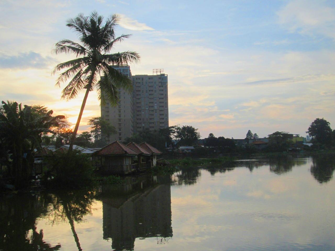 Intip Keseruan Mancing Ikan di Danau Kelapa Dua