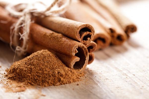 kayu manis gulungan serbuk